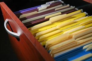 Casele de avocatură ar putea primi circa 500.000 Euro de la clienţii nemulţumiţi ai băncilor