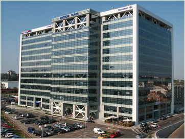 Condiţiile aspre de finanţare vor limita semnificativ investiţiile din piaţa imobiliară în 2012