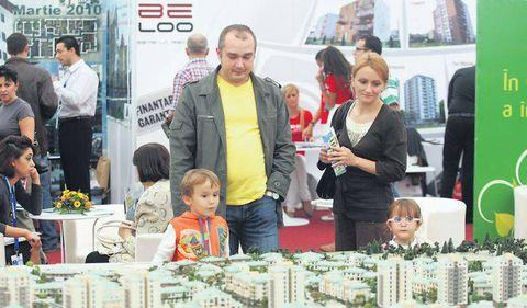 Locuinţe noi, ieftine şi bune – două treimi dintre români aşteaptă oferte care încă nu există