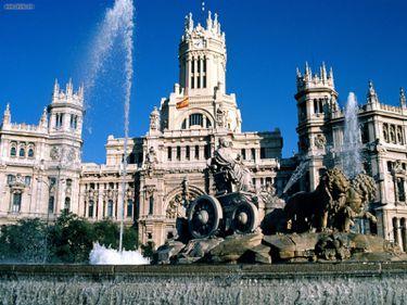 Madrid, cel mai mare oraş spaniol, a cărui faimă este depăşită doar de Barcelona