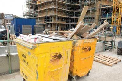 Gunoaiele de pe şantier trebuie transformate în materie primă, potrivit legii