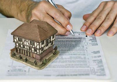 Băncile ar putea pune gaj pe conturile celor care cumpără prin Prima Casă