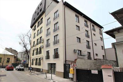 Apartament 3 camere 83 mp