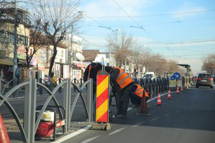 Încercare de fluidizare a traficului din București: încă două linii de tramvai rapid și cinci bulevarde cu semafoare inteligente