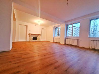 Apartament 13 camere 408 mp