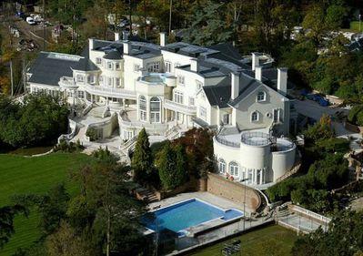 Cea mai scumpa casa din afara Londrei. Cum arata luxul de 75 de milioane de lire sterline