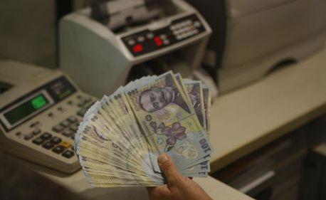 Creşte numărul restanţierilor la credite