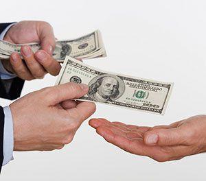 Românii care vor credite nu sunt eligibili. Băncile returnează fonduri uriaşe