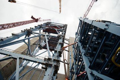 Scădere în construcții: volumulul lucrărilor a coborât cu aproape 7%, în 2014