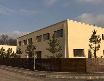 Bucşaru nu renunţă la planul de a construi 4.000 de case în Green City, proiectul în care şi-a pus toţi banii. Deocamdată a ridicat 520 de vile