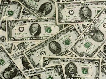 Deficit de monedă americană la nivel mondial: cererea neacoperită din sectorul privat ajunge la 2.000 miliarde dolari