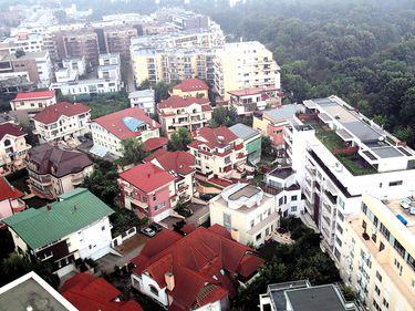 BCR nu mai are răbdare cu restanţierii: peste 400 de apartamente şi 220 de case sunt scoase la vânzare pentru recuperarea a 30 de milioane de euro