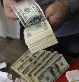 Milioane de americani riscă să-şi piardă locuinţele din cauza datoriilor ipotecare