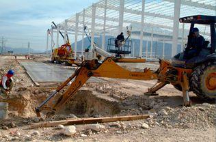 Piaţa construcţiilor continuă să crească lent, dar sigur