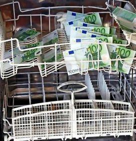 Imobiliarele şi consultanţa alimentează reţelele de spălare a banilor