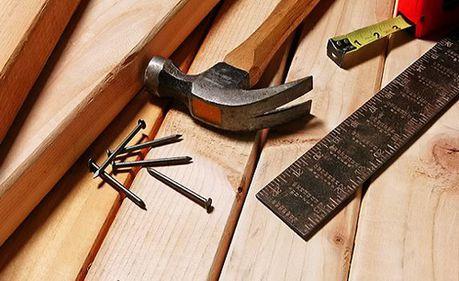 Activitatea din construcţii, animată doar de lucrările de reparaţii şi întreţinere