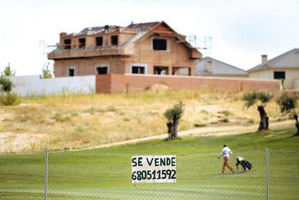 Prăbuşirea pieţei imobiliare din Spania loveşte în cei care au case de vacanţă şi într-o întreagă generaţie de spanioli