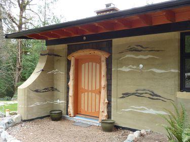 Casele ecologice: cât costă, cum se construiesc şi ce probleme pot apărea?