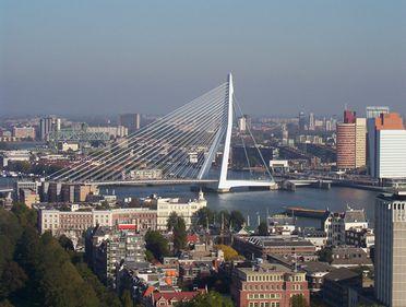 """Rotterdam, al doilea mare oraş olandez, denumit """"poarta către Europa"""""""