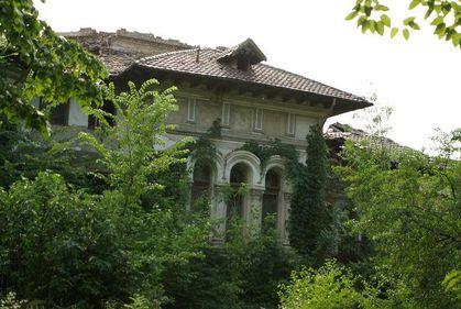 Primaria Capitalei vrea sa exproprieze o cladire monument istoric fiindca proprietarii o lasa in paragina