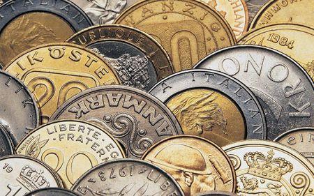 Haos pe piața valutară și financiară, după evenimentele din Franța și Turcia