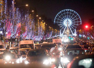 Ai toate motivele să vizitezi Parisul de Crăciun!