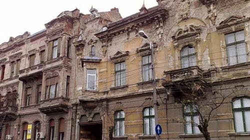 Clădirile istorice: protejate de legislația românească, dar numai teoretic