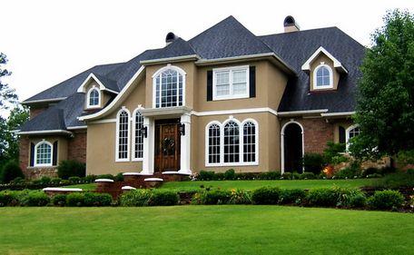 Cum poate deveni o casă mai atractivă, în ochii clienţilor? Aspectul exterior, atuul care diferenţiază o proprietate de restul