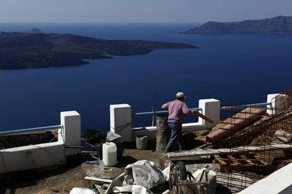 """""""Hienele"""" imobiliare pandesc chilipirurile din insulele Greciei"""