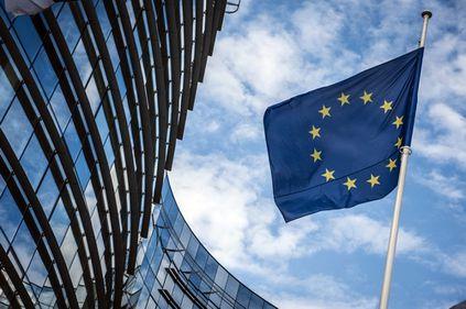 CE propune un fond de 50 miliarde euro pentru susţinerea băncilor din statele non-euro