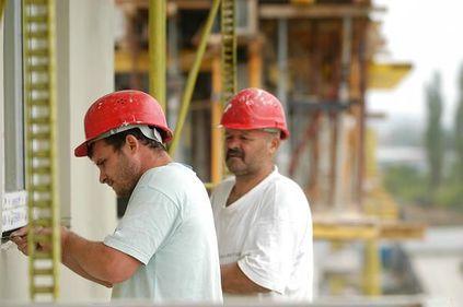 Numărul autorizaţiilor de construire a scăzut în primele 11 luni cu 6,5%