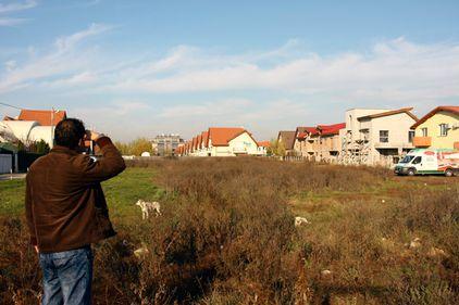 Fără samsari, pe terenurile bucureştenilor nu mai răsar teancuri de euro