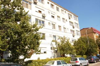 Apartament 3 camere 47 mp