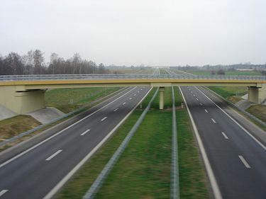 MTI a semnat contracte pentru cinci loturi de autostrada