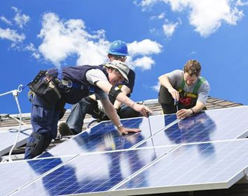 Cât te costă un sistem de panouri solare pe casă