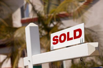 Piaţa imobiliară îşi revine? Numărul tranzacţiilor imobiliare creşte