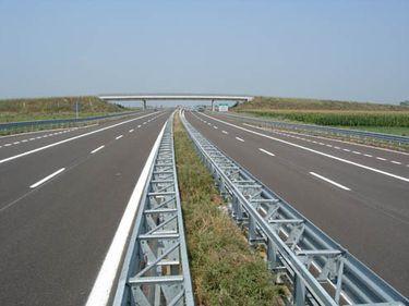 Bulgarii ne presează să finalizăm autostrada care va lega Bucureşti de Grecia şi Turcia