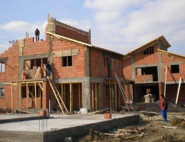 2011 a început cu amenzi în valoare de 32.000 de lei pentru construcţiile ilegale din sectorul 3