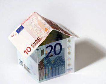 Când vor putea românii să îşi ia credite din străinătate, pentru cumpărarea unei case