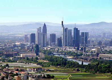Locuinţele din Frankfurt, prea scumpe chiar şi pentru germani