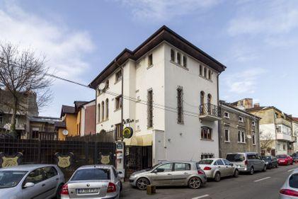 (P) Bucureștiul își vinde una dintre cele mai spectaculoase vile, pentru 750.000 euro