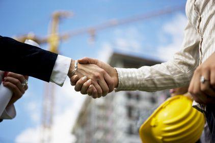 Economiile investite în imobiliare, din nou la modă. Micii constructori revin în forță