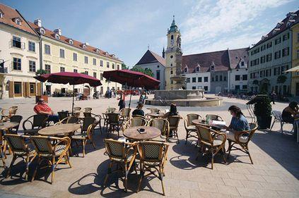 Bratislava, o capitală medievală modernă