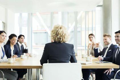 Afacerile de familie promovează femeile în posturi executive. Ce beneficii aduce o astfel de strategie?