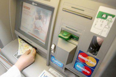 Cardurile Raiffeisen Bank vor fi întrerupte in noaptea de sâmbătă spre duminică