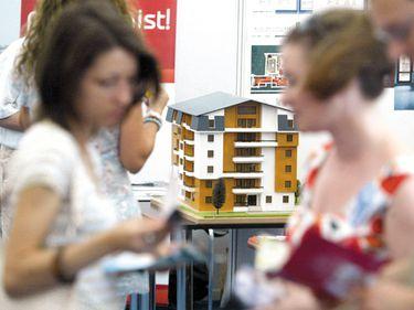 """Bancherii mai au jumătate de miliard de euro pentru credite """"Prima casă"""" 4 şi nu se grăbesc să ceară garanţii noi"""