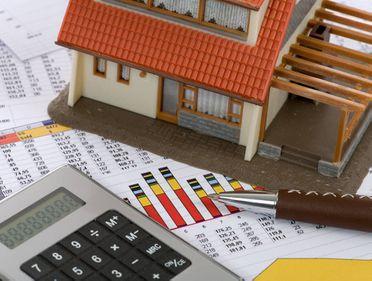 Amenzi de 100.000 de euro pentru agenţiile imobiliare