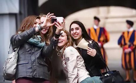 Tinerii reprezintă 20% din piața mondială a turismului. Ce preferințe au turiștii români?