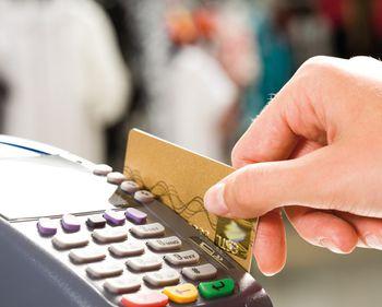 Plăţile electronice trebuie încurajate: reduc evaziunea fiscală
