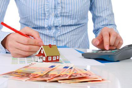 Este piața imobiliară în colaps? Vor scădea prețurile cu 30%?